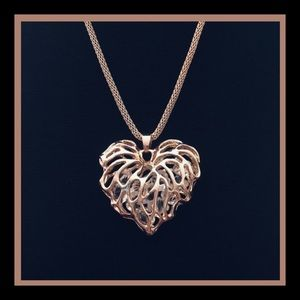 Jewelry - Heart Necklace W/ Floating Crystals
